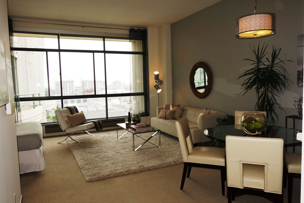 300 3rd St – Studio Penthouse #1509