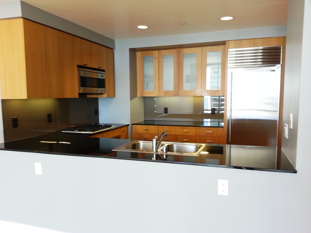RENTAL: 355 1st St #2004 – Chic Condo with Panoramic Water Views