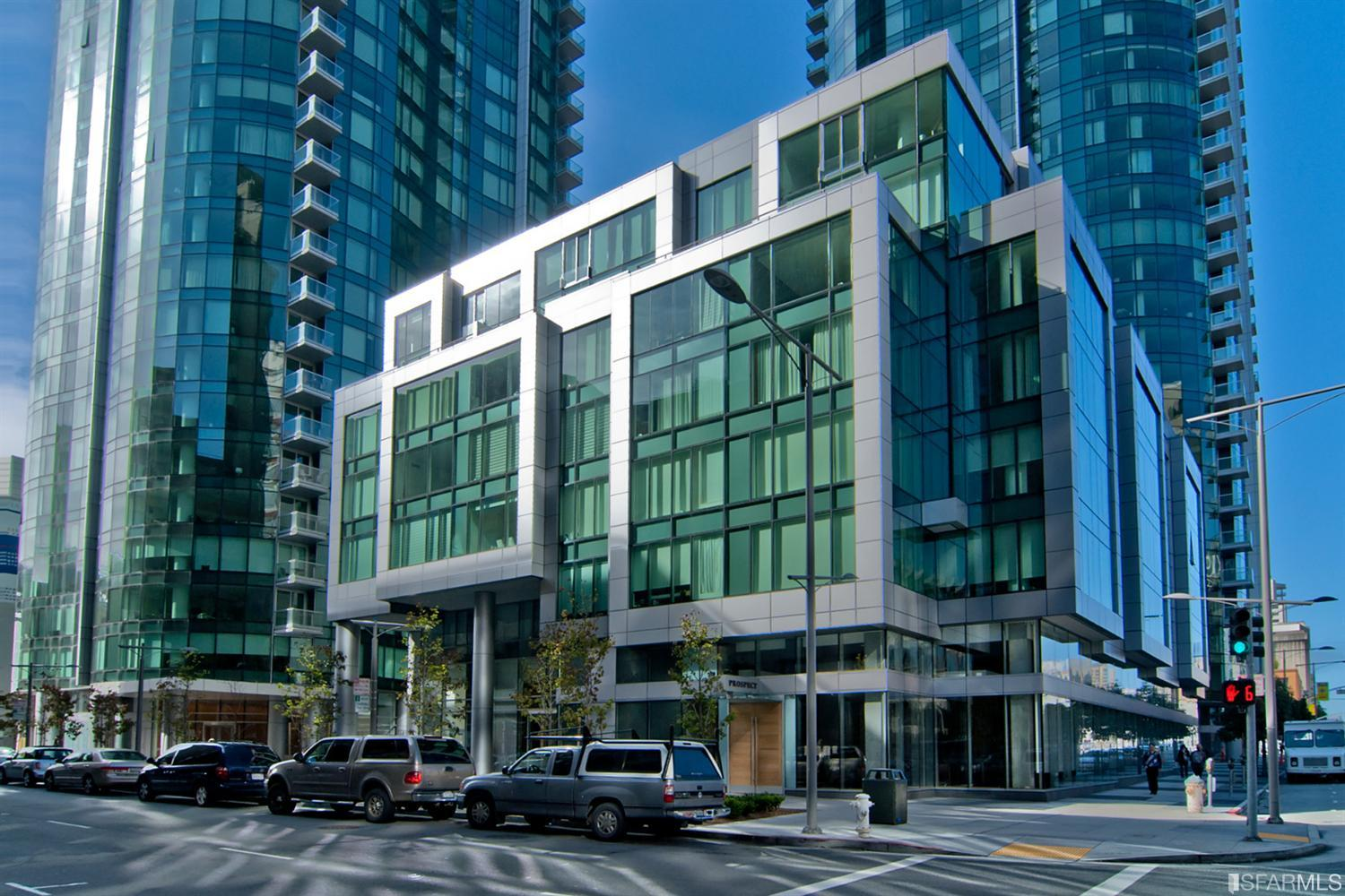AVAILABLE: 318 Spear St. #7F